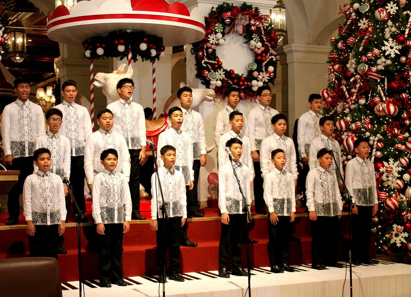 christmas at the manila hotel