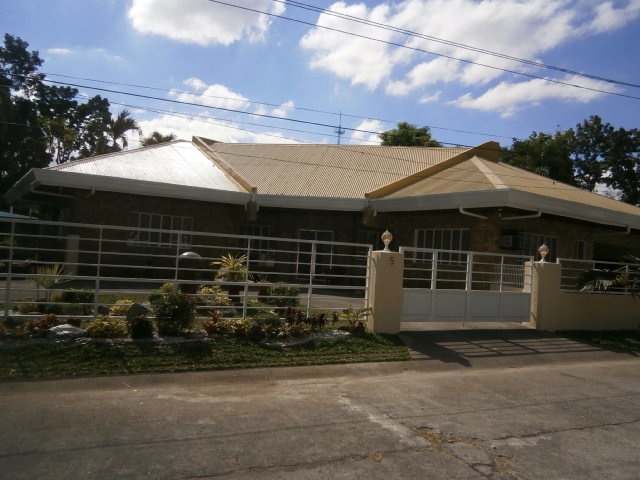 TAKEN! Carmenville House Angeles City Ref# 0000641