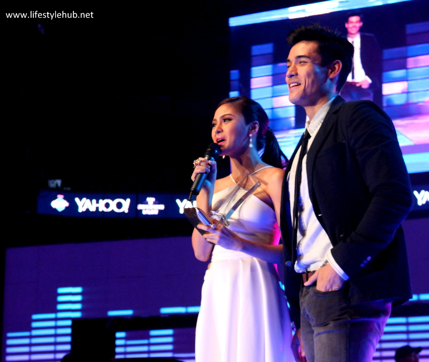 kim chiu and xian lim at the yahoo awards